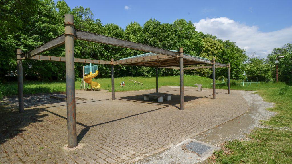 金目親水公園 ベンチ