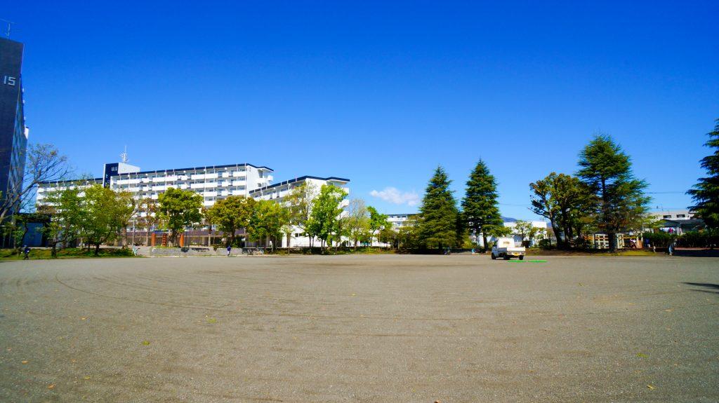 高村 広場