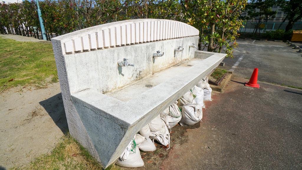 桃浜 テニス 水飲み場